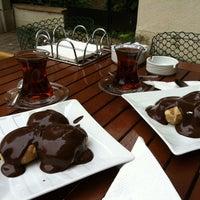 Das Foto wurde bei Tatlım Anna Profiterol von OYA am 10/6/2013 aufgenommen