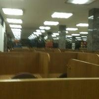 Foto diambil di Hesburgh Library oleh Coley O. pada 4/2/2013