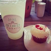 Photo prise au Bird Bakery par Eshelle C. le6/22/2013