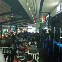 Photo prise au M Pub & Lounge par Ceren G. le4/2/2013