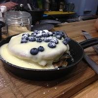 7/28/2013 tarihinde Elena M.ziyaretçi tarafından Breakfast Cafe'de çekilen fotoğraf