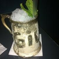 Foto scattata a CINCO Lounge da Emilia M. il 10/13/2012