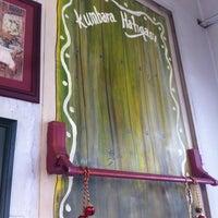 4/24/2013 tarihinde Viona H.ziyaretçi tarafından Kumbara Cafe'de çekilen fotoğraf