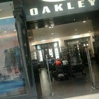 8b70a024aa2f4 ... Foto tirada no(a) Oakley por Matheus D. em 3 18  ...