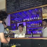 Снимок сделан в Happy Hours Pub пользователем Özge B. 5/15/2013