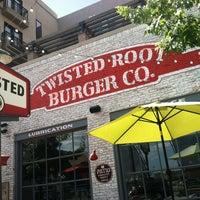 Foto tirada no(a) Twisted Root por Chandra G. em 6/22/2013