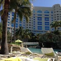 Foto diambil di Seminole Hard Rock Hotel & Casino oleh Samira M. pada 5/3/2013