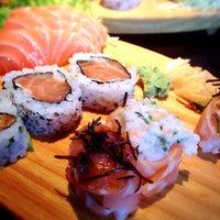 Foto tirada no(a) Sashiburi Sushi House por Anne R. em 9/8/2014