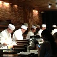 Photo prise au Blue Ribbon Sushi Izakaya par Charlie M. le6/9/2013