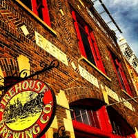 Photo prise au Firehouse Brewing Company par Rags le10/19/2012