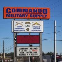 7/19/2013 tarihinde Commando Military Supplyziyaretçi tarafından Commando Military Supply'de çekilen fotoğraf