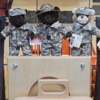 1/13/2016 tarihinde Commando Military Supplyziyaretçi tarafından Commando Military Supply'de çekilen fotoğraf