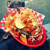 Снимок сделан в Seven Lives - Tacos y Mariscos пользователем Eva W. 5/24/2019
