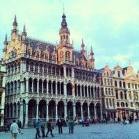 4/15/2013 tarihinde Phil S.ziyaretçi tarafından Grand Place / Grote Markt'de çekilen fotoğraf