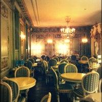 Foto tirada no(a) Confectionary (Cafe Pushkin) por Diana S. em 5/6/2013