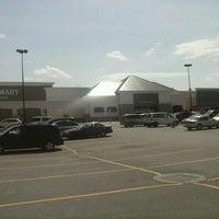 Foto scattata a Walmart Supercenter da Plush T. il 4/10/2013
