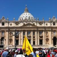 Foto diambil di Piazza San Pietro oleh VARNER pada 6/30/2013