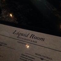 Das Foto wurde bei Liquid Room Restaurant & Bar von Jahi S. am 9/26/2013 aufgenommen