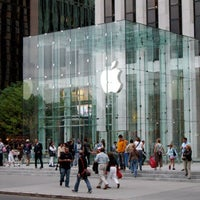 Foto scattata a Apple Fifth Avenue da Christian V. il 7/17/2013