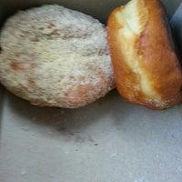 Das Foto wurde bei Sweetwater's Donut Mill von Amy G. am 7/29/2013 aufgenommen