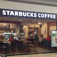 5/1/2013 tarihinde Mustafa D.ziyaretçi tarafından Starbucks'de çekilen fotoğraf