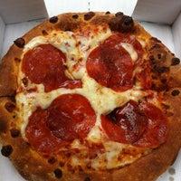 Foto tomada en Papa John's Pizza por Alejandra N. el 6/11/2013