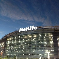 Снимок сделан в MetLife Stadium пользователем Erica O. 9/19/2012