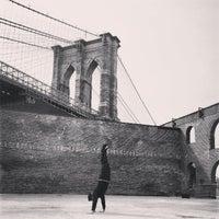 3/24/2013 tarihinde Rich H.ziyaretçi tarafından Brooklyn Bridge Park'de çekilen fotoğraf