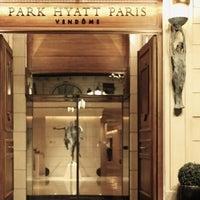 Photo prise au Park Hyatt Paris-Vendome par Majed . le5/14/2013