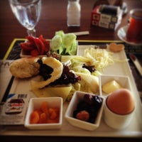 7/11/2013에 Selim K.님이 KA'hve Café & Restaurant에서 찍은 사진