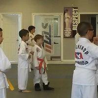 Foto tomada en ATA Karate por Beth S. el 8/21/2014