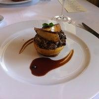 รูปภาพถ่ายที่ Asitane Restaurant โดย Sinem T. เมื่อ 3/30/2013