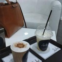 Foto tirada no(a) Latte por Miguel Y. em 6/1/2013