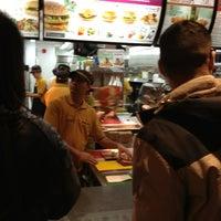 4/7/2013 tarihinde Lee H.ziyaretçi tarafından McDonald's'de çekilen fotoğraf