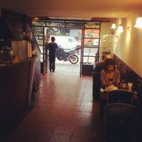 รูปภาพถ่ายที่ El Emporio del Barrio โดย Héctor P. เมื่อ 1/31/2013