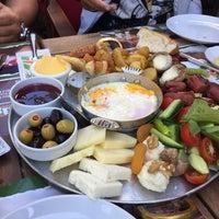 5/14/2015 tarihinde Hanife B.ziyaretçi tarafından Kiper Pastanesi'de çekilen fotoğraf