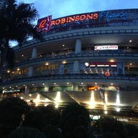 Photo prise au Robinsons Place Manila par Tetsuo N. le7/3/2013