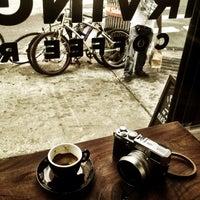 Снимок сделан в Irving Farm Coffee Roasters пользователем Arlene 9/5/2013