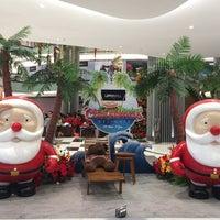 Photo prise au Lippo Mall Puri par Sylvia le12/12/2015