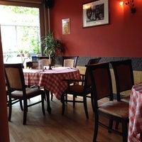 Das Foto wurde bei Trattoria und Pizzeria Aurelia von Nicolas G. am 10/1/2013 aufgenommen