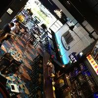 Foto scattata a Chat Lunatique Bistrō Bar da Rodrigo S. il 7/24/2013
