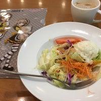 Das Foto wurde bei ココス イオン市川妙典店 von MahoZ am 2/24/2017 aufgenommen
