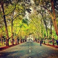 รูปภาพถ่ายที่ İstanbul Üniversitesi โดย dénnis *. เมื่อ 10/2/2012