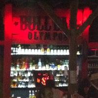 Foto diambil di Bull Bar oleh Zeynep🍀 pada 6/19/2013