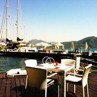 8/22/2013 tarihinde Onur E.ziyaretçi tarafından Palace Beach Club'de çekilen fotoğraf