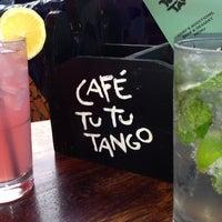 Foto tomada en Café Tu Tu Tango por Ann T. el 4/18/2013