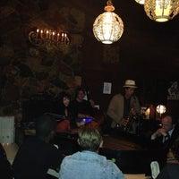 Foto tomada en The Dresden Restaurant por Jane Bang el 5/8/2013