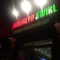 Das Foto wurde bei Brooklyn Swirl von Shannon D. am 10/2/2014 aufgenommen