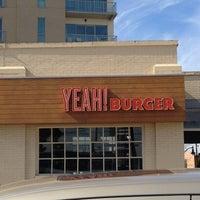 Photo prise au YEAH! Burger par Chuck A. le2/18/2013