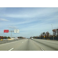 Das Foto wurde bei I-66 - Arlington / Fairfax County von Ya K. am 11/18/2012 aufgenommen